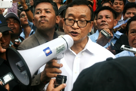 Sam Rainsy speaking outside the United Nations Office of the High Comissioner